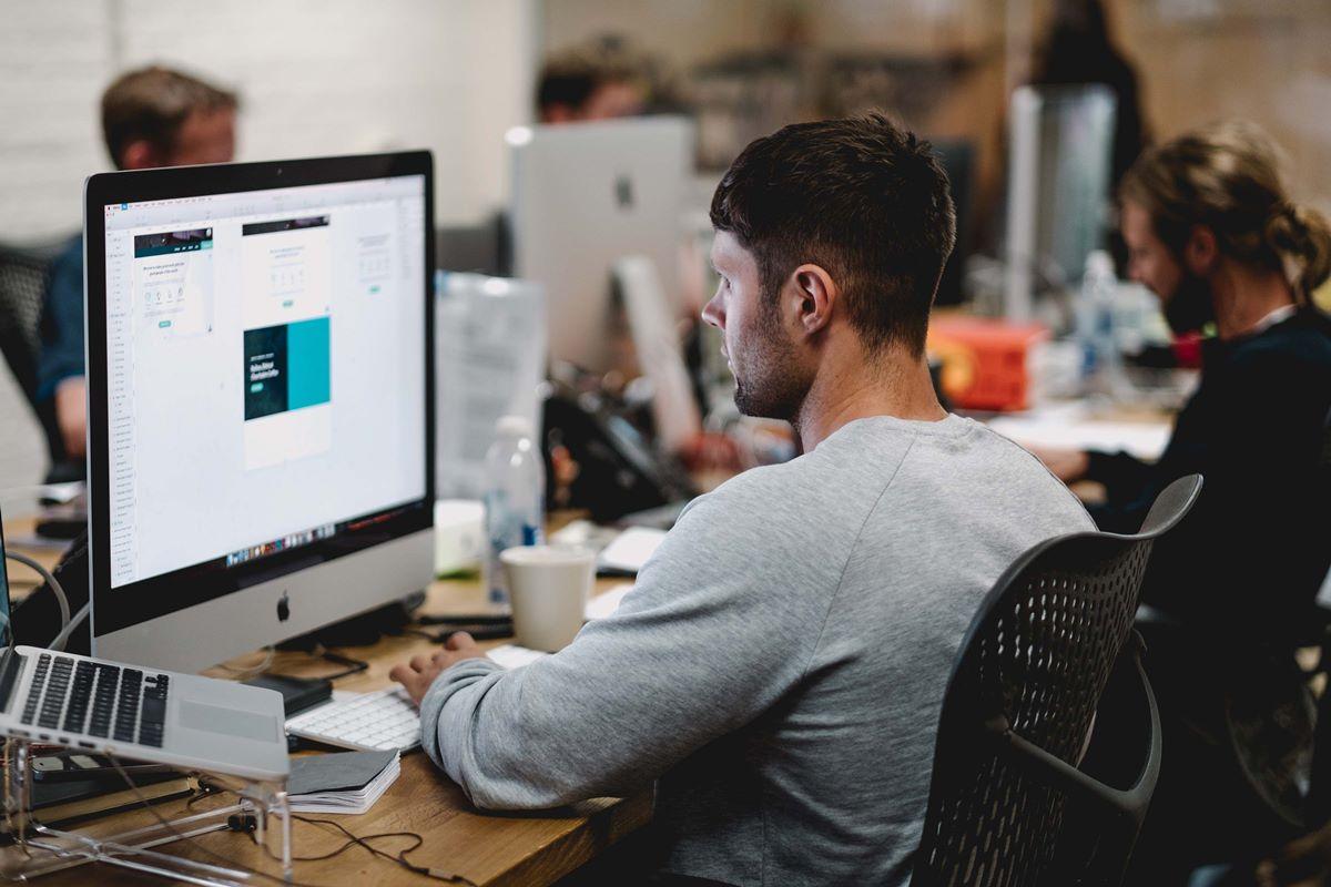 Blog Article - IT WordPress Theme (1)